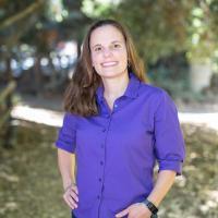 Johanna Nelson Weker headshot